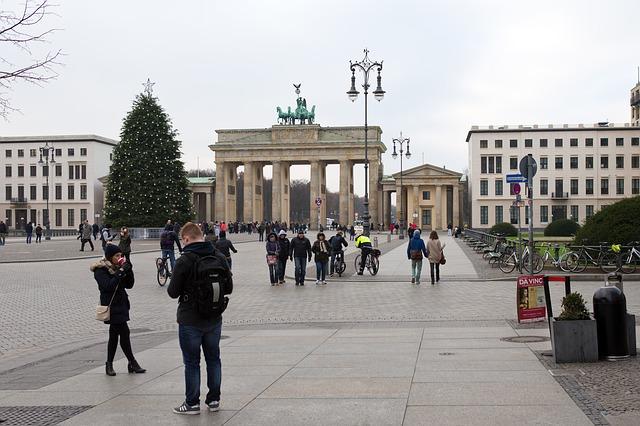 brandenburg-gate-563114_640.jpg