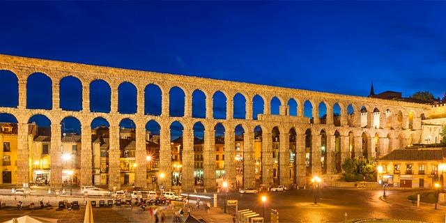 aqueduct-534027_640.jpg