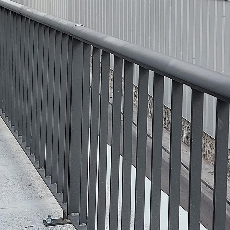 mobiliario_urbano_vallas_puentes_forjas (1)